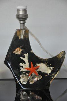 Pied de lampe vintage RESINE années 60 70 KITCH inclusion poisson et coquillages