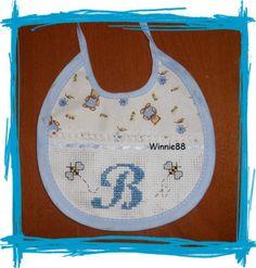 Bavaglino con api - iniziale B - Dall'album di Winnie88