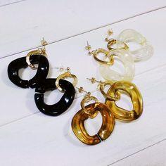 べっ甲 アクリルピアス 白マーブル ジェットブラック Clay Jewelry, Jewelry Box, Jewellery, Diy Earrings, Diy And Crafts, Jewels, My Style, Bracelets, Handmade