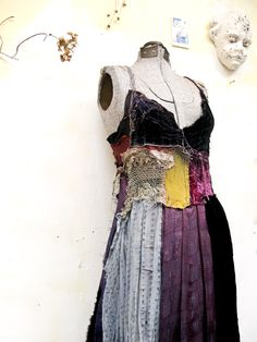 Ҩ¸.´¯`❥ Gibbous fashion. boho bohemian style gypsy tatty