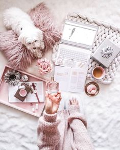 a pretty perfume is the perfect way to finish off a gorgeous outfit! a pretty perfume is the perfect way to finish off a gorgeous outfit! Pink Love, Pretty In Pink, Imagenes Color Pastel, Photo Pour Instagram, Flat Lay Inspiration, Tout Rose, Deco Rose, Flat Lay Photography, Photography Ideas