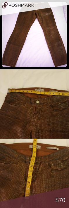 """Guess alligator print pants New without tags cognac brown alligator print pants. Low rise, sexy skinny fit, tailored, stretch four pocket jeans/pants. Size 27 measures 14"""" flat across waist, 7.5"""" rise in front, 29"""" inseam. Guess Jeans Skinny"""