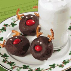 Christmas Reindeer Mini Donuts - Holidays