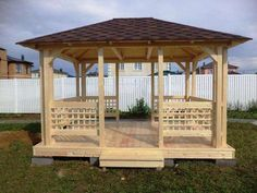 Wooden Summer House, 100 Diy Crafts, Gazebo, Outdoor Structures, Projects, Log Homes, Pets, Log Projects, Kiosk