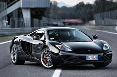 McLaren 12C. 207 MPH 333 KPH; 600NM; 625 PS. Jaw dropping design.⚡️