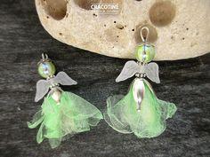 2 breloques ange fée elfe perle organza vert amande beige ailes opaques : Fées, elfes par cracotine