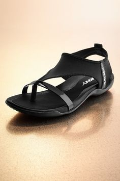 DKNY everyday sandal #bostonproper #active