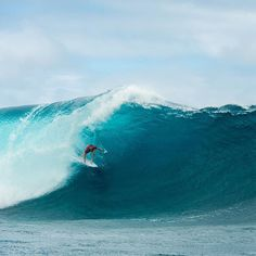 Mick charging through bumpy conditions today for a Rd 1 win in Tahiti. Welcome back. Mick Fanning   Corey Wilson World Surf League