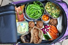 Travel tips! Packing Healthy Food for Air Travel - The Whole Life Nutrition Kitchen. Some really good information on prepping airport/plane-friendly foods for travel, as well as a handy list of food ideas. Healthy Dinner Recipes, Whole Food Recipes, Healthy Snacks, Healthy Eating, Free Recipes, Healthy Travel Food, Food Travel, Travel Packing, Travel Tips