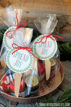 Spread holiday cheer with this Spread Joy Holiday Gift idea! Stack your favorite spreadable jams jellies butters spreads and honey and add a printable gift tag for an easy affordable holiday gift that is perfect for friends neighbors and teachers! Christmas Gifts For Coworkers, Homemade Christmas Gifts, Christmas Gift Wrapping, Homemade Gifts, Christmas Ideas, Christmas Parties, Holiday Ideas, Christmas Crafts, Jar Gifts