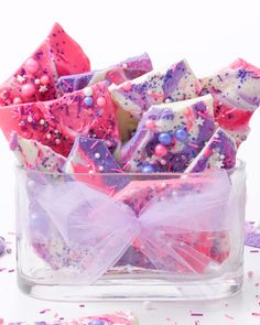 43 Ideas Party Food Pink Sweet Treats For 2019 Colorful Desserts, Kid Desserts, Christmas Desserts, Purple Desserts, Girl Cupcakes, Birthday Cupcakes, Chocolate Bark, Chocolate Desserts, Purple Cakes