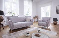 Nadčasová klasika - kožená sedačka BELLA. Vhodný kúsok pre milovníkov klasického štýlu. Kvalitné spracovanie kože spolu so svojským dizajnom tejto sedacej súpravy spraví z každej obývačky vysnívaný kútik na oddych Love Seat, Couch, Furniture, Home Decor, Settee, Decoration Home, Sofa, Room Decor, Home Furnishings