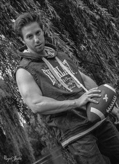 #model #fitness #shooting #musculation #YOUVSYOU #bodybuilding #sport #trainhard #big #noiretblanc #foot #us