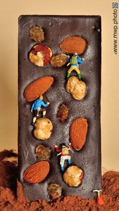 choko climbers by mWP miniWorldProject - Photo 91895683 / Miniature Photography, Toys Photography, Creative Photography, Miniature Calendar, Tiny World, Mini Things, Small Art, People Art, Miniture Things