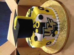 UCF graduation cake annacakes.com