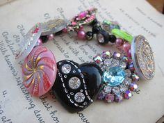 Love this!!  A Vintage Button Bracelet - Designed and made by Vintage Vamp