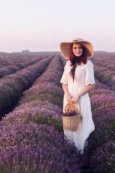 Bulgarian lavender fields @ www. Self Portrait Photography, Portrait Poses, Photoshop Photography, Photography Poses, Fashion Photography, Lavender Fields, Lavender Flowers, Lavendar Painting, Romantic Girl
