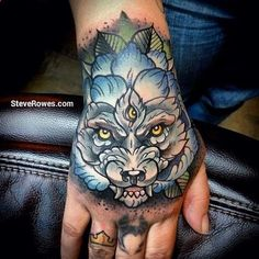 So it's a wolf, and a cabbage rose... Whatever it looks freaking cool I love this.
