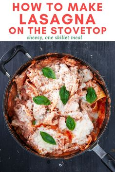 Easy to make stovetop lasagna recipe that's a family favorite!  This weeknight skillet meal tastes like classic lasagna but only takes 35 to make from start to finish. Sausage Lasagna, Italian Sausage Pasta, Sweet Italian Sausage, Dinner Dishes, Pasta Dishes, Easy Pasta Recipes, Dinner Recipes, How To Make Lasagna, One Skillet Meals