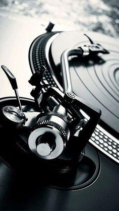 Drehscheibe - I love vinyl - Telephone Vinyl Music, Dj Music, Vinyl Records, Vinil Wallpaper, Music Wallpaper, Marshmello Wallpapers, Dj Setup, Dj Gear, Vinyl Junkies