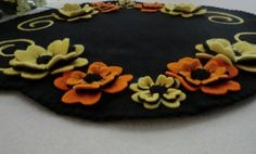 Free Printable Penny Rug Patterns | Pattern Floral Beauty Wool Applique Penny Rug Candle Mat Pattern ...