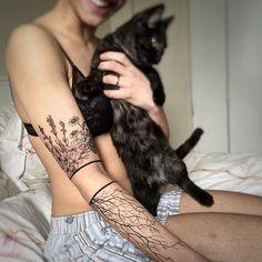 Thanks @yaz3ashley  #torontotattoo #tattoos #flowertattoo#토론토#linework #blackandgreytattoo #wildflowers #jasmine #lavender #camomiles #pinetree #line