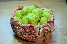 Crochet fabric bowl by Drew Emborsky, aka The Crochet Dude All Free Crochet, Easy Crochet Patterns, Crochet Ideas, Simple Crochet, Yarn Projects, Crochet Projects, Crochet Crafts, Yarn Crafts, Sewing Projects