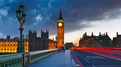 Big Ben is a the popular London tourist attraction at night. Pictures & Images of Big Ben Clock Tower, London. City Of London, Tower Of London, London Bridge, London Night, London Attractions, London United Kingdom, Houses Of Parliament, Things To Do In London, London Travel