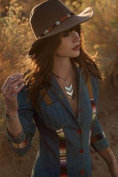 Boho Look | Bohemian boho style hippie chic bohème vibe gypsy fashion indie folk the 70s festival style