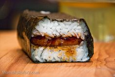 (Spam musubi like momofuku. My mom used to feed me spam. I know it's not good for you, but it does taste good.)
