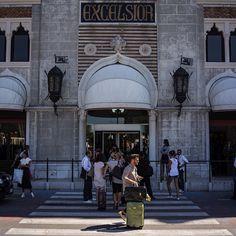 Crash Baggage Shooting in Venice. 70 mostra del cinema
