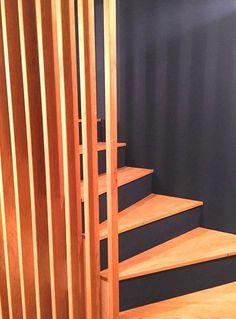 #garde-corps #chêne #escaliers création d'un garde corps escaliers en chêne et habillage de marches en bois.