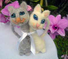 CATS LOVE. Needle felt wool, handmade Cake Toppers ,Wedding Keepsake