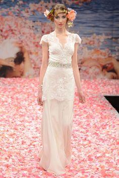 """Claire Pettibone nos presenta una romántica colección de Vestidos de Novia en el """"New York Bridal Fashion Week""""."""
