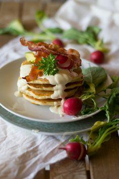 Pancakes ai cipollotti e salsa alla senape