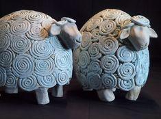 Pottery Animals, Ceramic Animals, Ceramic Art, Pottery Painting Designs, Pottery Designs, Beginner Pottery, Sheep Crafts, Clay Art Projects, Raku Pottery