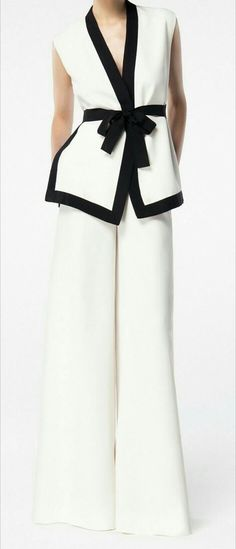 PALATZOS - Anita mi lugar secreto - The most beautiful dresses and seasonal outfits Mod Fashion, Hijab Fashion, Runway Fashion, Fashion Outfits, Womens Fashion, Fashion Trends, Mein Style, Mode Hijab, Passion For Fashion