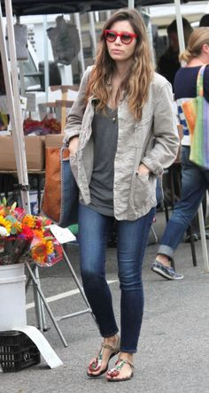 Jessica Biel in the Verdugo Ankle Zip in Benny... Skinny jeans with longer t shirt and jacket.  Campus wear!