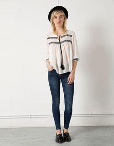 Bluse Bershka Verzierung Quasten - Shirt & Blusen - Bershka Germany