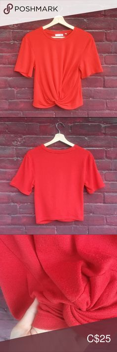 Aritzia Wilfred Fred Red Tee With Front Knot Plus Fashion, Fashion Tips, Fashion Trends, Knots, Short Sleeves, Spandex, Crop Tops, Tees, Outfits