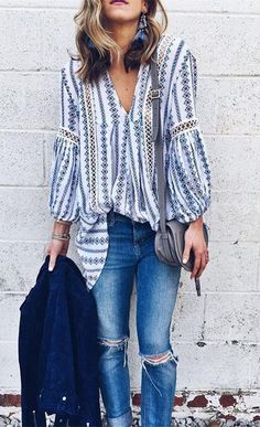 Drape yourself in this lovely tunic, toss aside your agenda and just go with the flow today! Posies Flow My Way V-neck Tunic(Item Street Style Outfits, Looks Street Style, Looks Style, Style Me, Cool Mom Style, Style Blog, Mom Style Fall, Classy Style, Style Summer