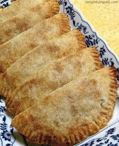 Apricot Hand Pies – Apricot Turnovers Aunt Sissy, even in her and was always ready to go camping (albeit luxury camping) with friends and family. Fruit Recipes, Cooking Recipes, Pie Recipes, Pastry Recipes, Mexican Recipes, Yummy Recipes, Dessert Recipes, Recipe Using Dried Apricots, Deserts