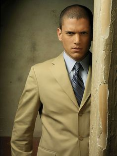 Wentworth Miller i am in love with your physical appeareance hopefully your heart is as beautiful as you oustide