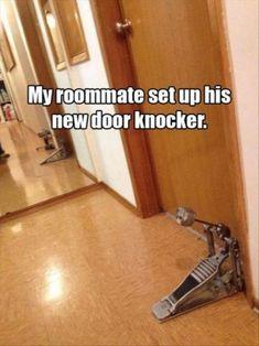 Dispositivo creativo para tocar tu puerta.