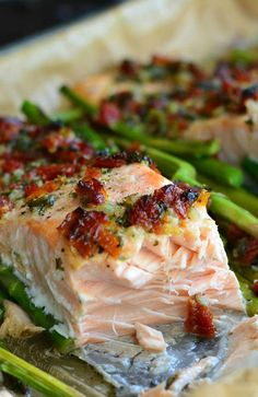Sun Dried Tomato Lemon Baked Salmon and Asparagus. Easy, 30 minute, one-pan dish. #salmon