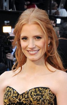 Jessica Chastain se sagte, rokerige ooggrimering / Jessica Chastain with soft smokey eye make-up