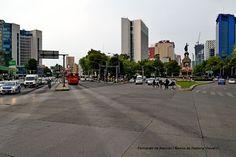 Insurgentes y Reforma. Crossroad.
