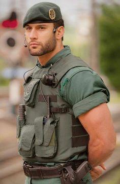 Loves pec-play sexy military men, hot army men, hot men, cop uniform, men i Sexy Military Men, Army Men, Army Guys, Cop Uniform, Men In Uniform, Hot Guys, Hot Men, Hunks Men, Male Hunks