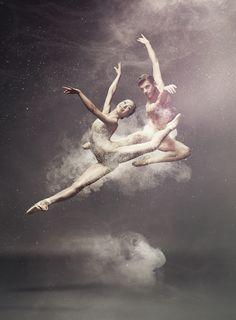 Photographer Ruud Baan took a photograph of Edo Wijnen  Aya Okumura of the Dutch National Ballet for the programme Stardust.   Design: Martin Pyper
