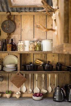 decordemon: Rough-luxe hideaway cabin in Cornwall, UK